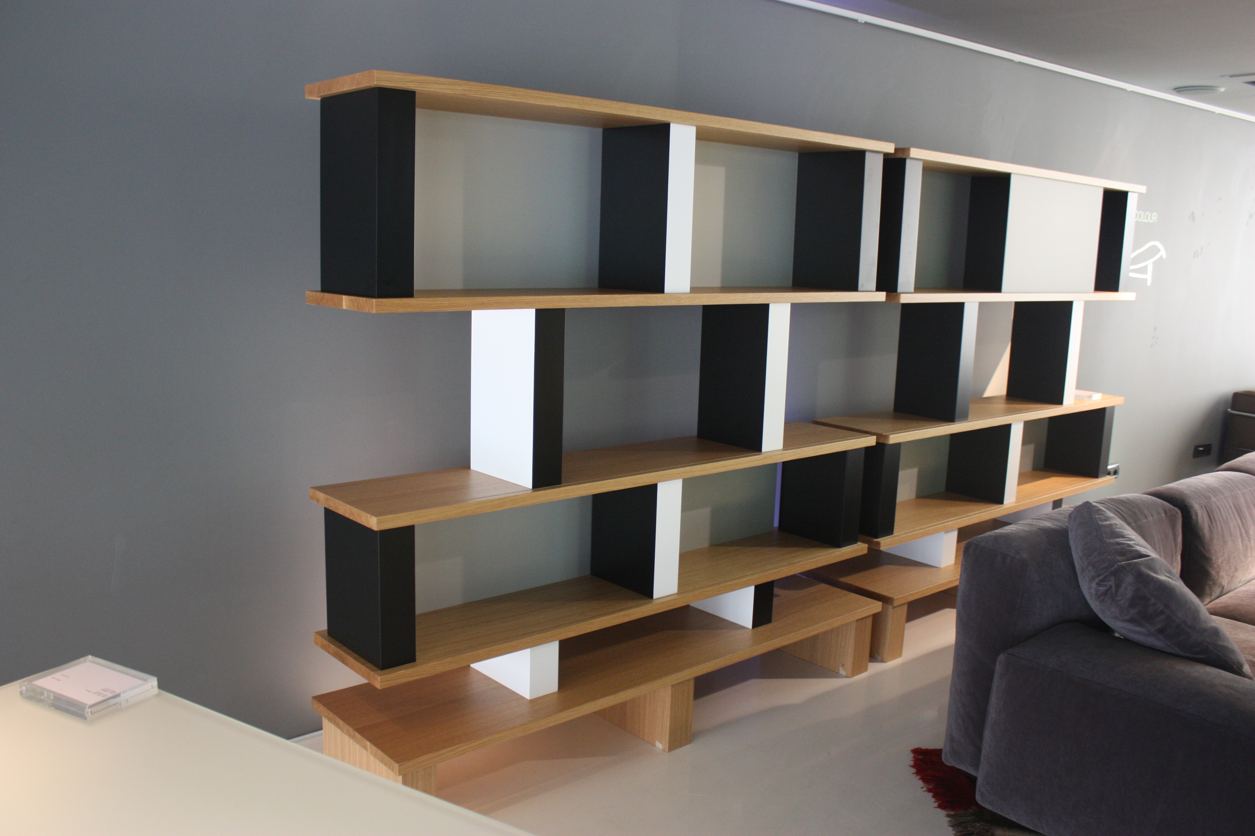 La paris design week la s lection de mobiliers d 39 eric pleaz - Bureau charlotte perriand ...