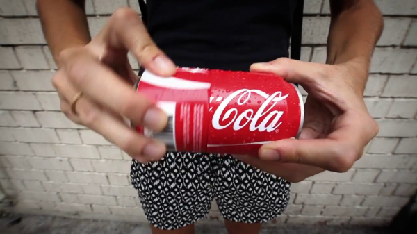 Coca cola sharing can canette-2013-05-29-12h27m51s110