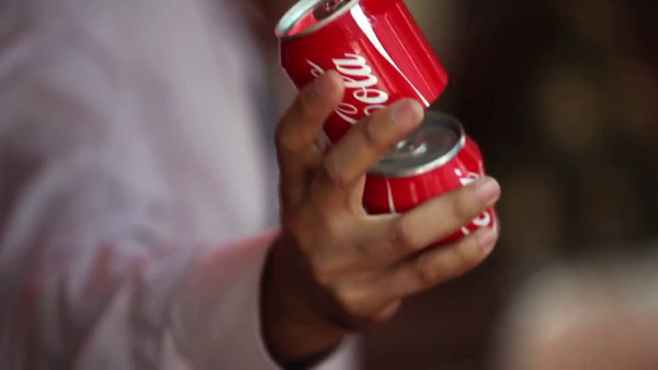 Coca cola sharing can canette-2013-05-29-12h28m11s47