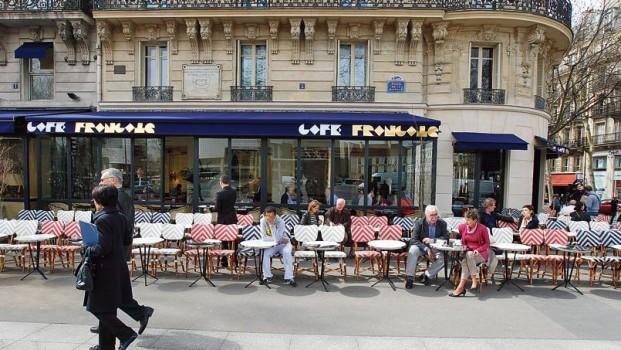 Le brunch du caf fran ais place de la bastille pleaz for Restaurant bastille terrasse