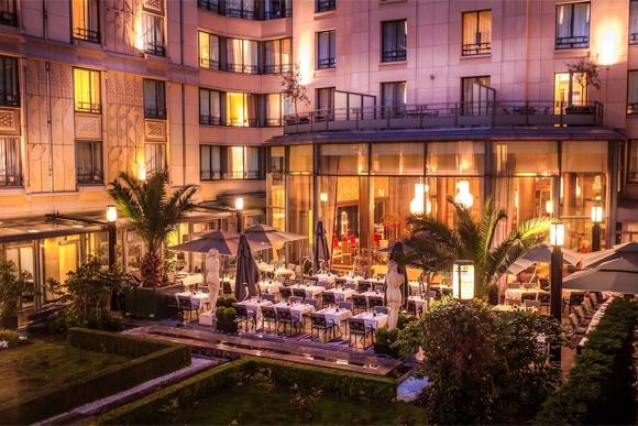Terrasse-hotel-collectionneur-paris-brunch
