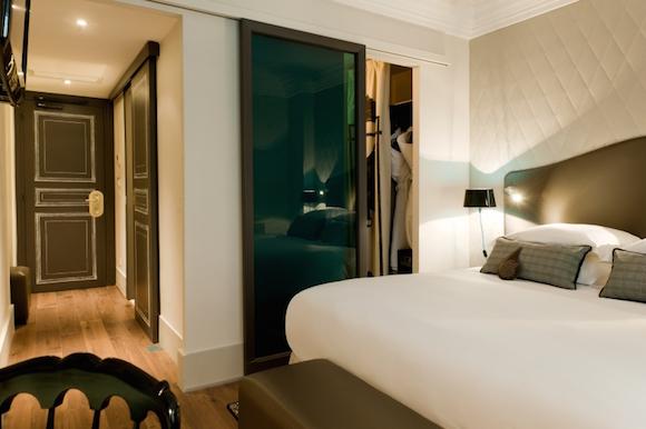 hotel-edouard-paris-opera-chambre-lit