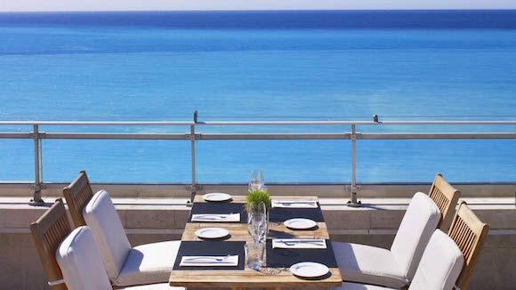 hotel-meridien-nice-rooftop-dejeuner
