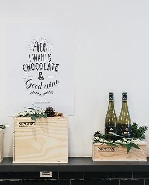"""Paris, France. Mercredi 7 Décembre 2016. Dégustation de vins de chez """"NICOLAS"""" associés aux chocolats de la """"chocolaterie Edwart""""."""